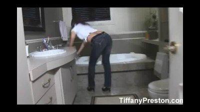Tiffany Preston masturbate and cum