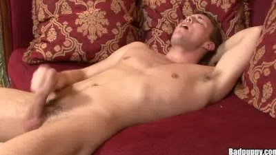 Cute Jock shoots a huge load