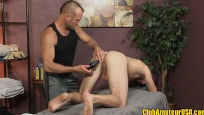 Straight guy gets rubbed