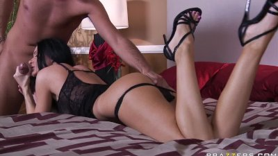 Big tit brunette MILF try's to help an addict well..at least unti