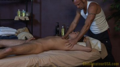 Twink Gets An Oral Massage