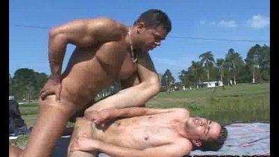 Papi Gay Barebacking With Yummy Cumshots