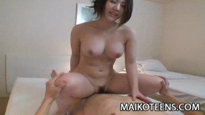 Hot Japanese teen Ayaka Kimura revealing her sexy body