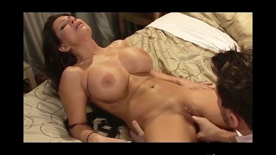 Manuel Ferrara Seduces and Fucks MILF with Huge Tits