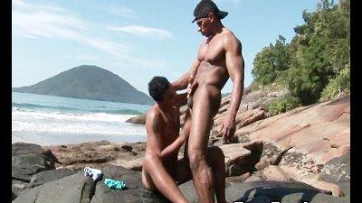 Gay Latino Muscle Hunks Bareback Fucking