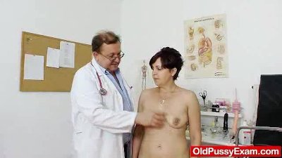 Redhead madam internal piss hole medicaltool exam