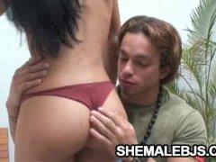 Naughty Shemale Fernandinha Shows Her Deepthroating Skills