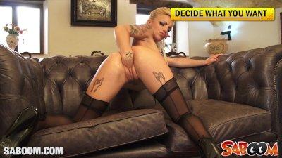 Blonde tattoed Bitch Jordanne Kali fisting her Pussy