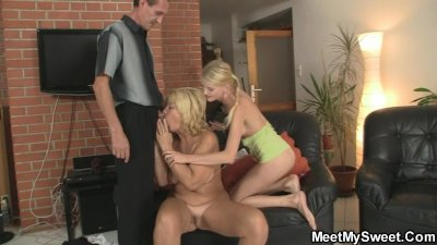 She toying her BF's mom pussy and sucking dad's cock