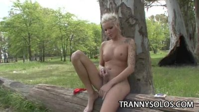 Blondie - Beautiful Outdoor Jerking Scene With Hot Shemale