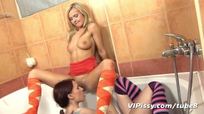 VIPissy - Bella Baby gets wet and pissy with her girlfriend