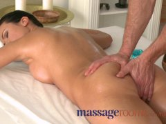 Massage Rooms Athletic goddess enjoys G spot orgasm before riding big cock