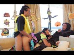 Big Tit Shemale Superstar Vaniity Takes on 2 Huge Cocks