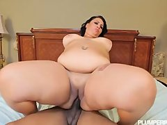 BBW with Fat Ass Works Out and Fucks in Spandex