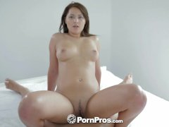 HD   PornPros Sexy brunette gives her man a nice wake up blowjob