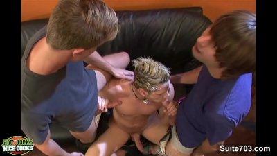 Sweet gay jocks sucking their dicks