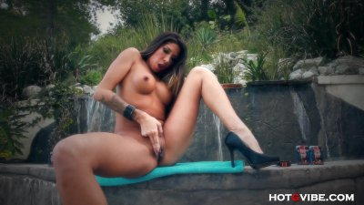 Latina DIME Fingers her Pussy Hard