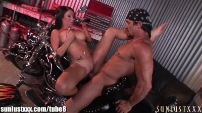 SunLustXXX Girl gets a tune up at the garage to pay for her car