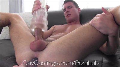 GayCastings Midwestern stud tries getting fucked on cam