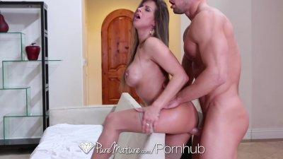 HD - PureMature Sexy Rachel Roxx is giving blowjob to boyfriend