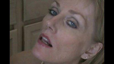 MILF Negotiates With Her Plumber