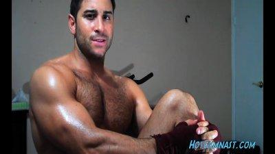 Gorgeous Muscle cummer!