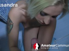 Aleksandra wird im Badezimmer gefickt
