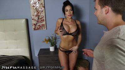 Brunette Babe Cumshot video: NuruMassage Jaclyn Taylor Threatens to Call Mom