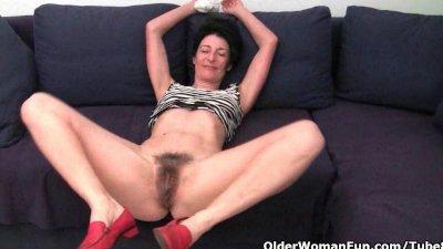 shaving hairy pussy