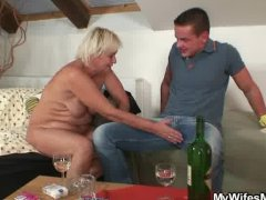 He finds his GF s mom naked and fucks her