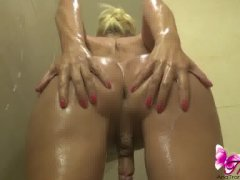 Ana Mancinis shower