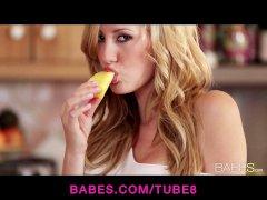 Solo model Brett Rossi masturbates with her kitchen faucet