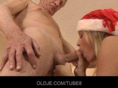 Messy but horny Santa girl fucks Oldje on the floor