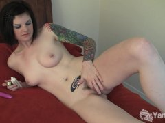 Tattooed Liss Toying Her Pussy