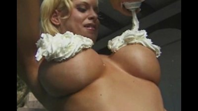 Busty hussy gets her wet pussy nailed