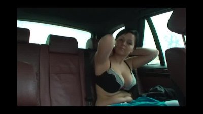 Wow Big Tits topless in the backseat