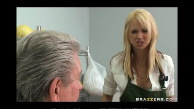 BIGTIT BLONDE PORNSTAR DEEPTHROATS AND FUCKS BIGCOCK