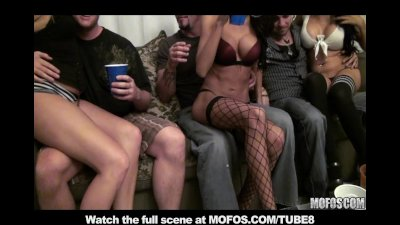 BIGTIT TEEN AMATEUR STRIPPERS FUCK BIGCOCK FOR BIRTHDAY PARTY
