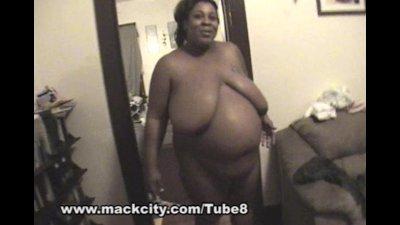 8 month BBW pregnant ebony chi