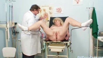 Blond grandma kinky pussy exam