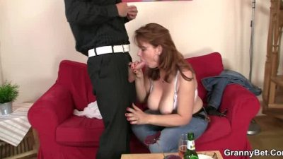 Old bitch gives head and rides