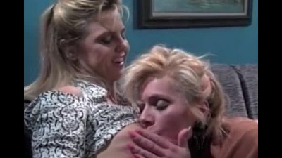 Hot retro fun with lesbian couple
