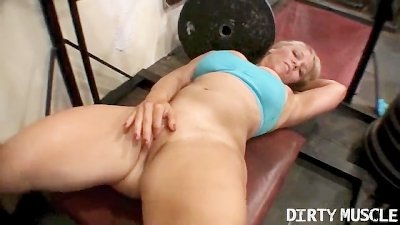 Genie Naked Squats 2 of 2