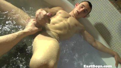 Mason gets Handjob in the Spa