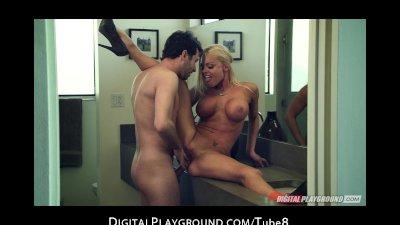 FIT blonde Jesse Jane spreads her juicy ass for a rough fuck