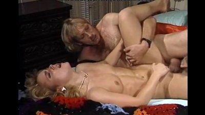 Hot threesome simultaneous orgasm