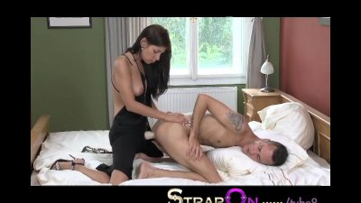 StrapOn Dominant babe pegging