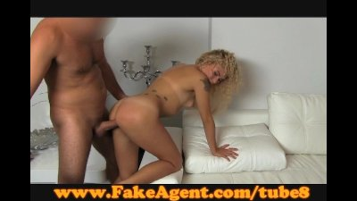 FakeAgent Curly blonde sex goddess in casting