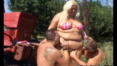 Fatty needs two cocks asap