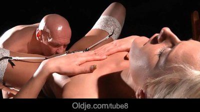 Nymphomaniac call girl fucking old cock for crazy sexual pleasure
